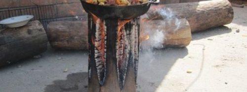 Uz bluķa gatavots ēdiens